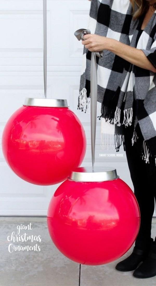 Big-Plastic-Balls Elegant Christmas Decorating Ideas