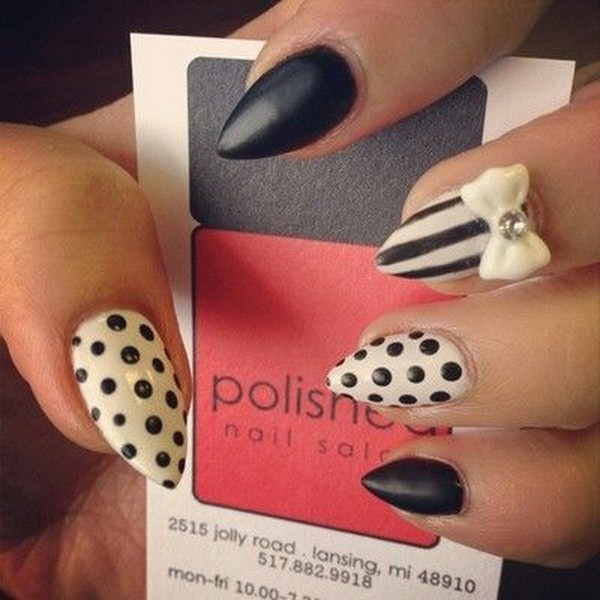 Alysa Queen Black-And-White-Almond-Nail-With-Bow-Polka-Dots-And-Strips