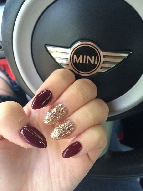 Alysa Queen Burgundy-And-Gold-Almond-Shaped-Nails