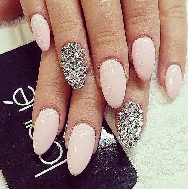 Alysa Queen Light-Pink-Almond-Nails-With-Silver-Applications