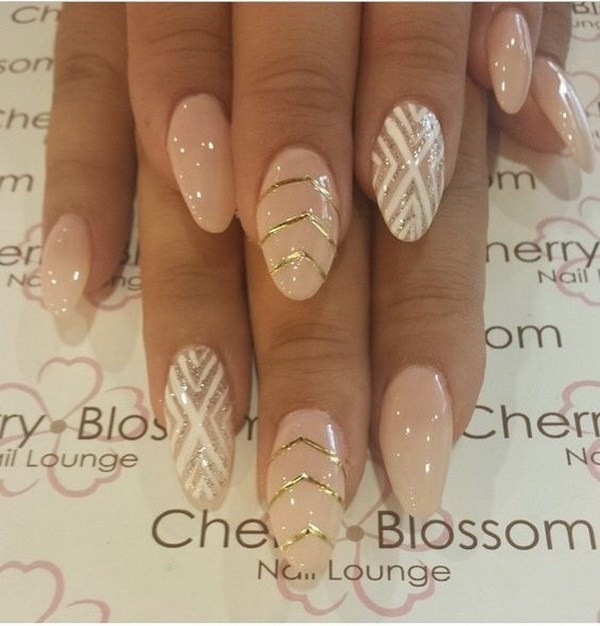 Alysa Queen Nude-Color-With-Design-In-Almond-Shape