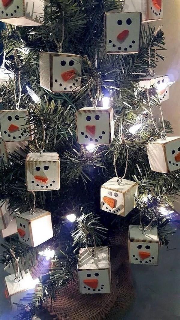 Snowman-Cube-Ornaments Elegant Christmas Decorating Ideas