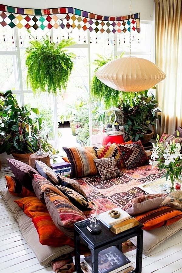 Bohemian-Interiors-Full-With-Accessories Chic Bohemian Interior Design Ideas