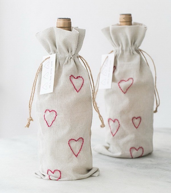 DIY-Valentine's-Day-Embroidery-Wine-Bags Sweet DIY Valentine's Day Decoration Ideas
