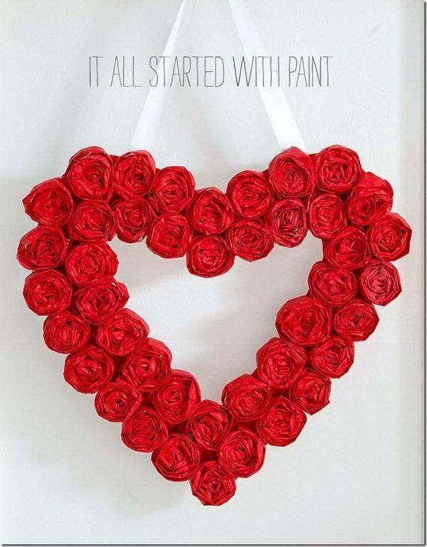 Heart-Shaped-Valentine-Wreath Sweet DIY Valentine's Day Decoration Ideas