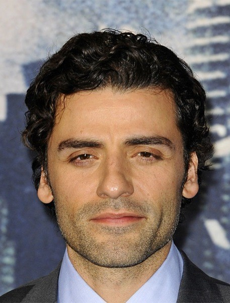 Oscar-Isaac-Short-Wavy-Hairstyle Most Coolest And Hottest Formal Haircuts For Men
