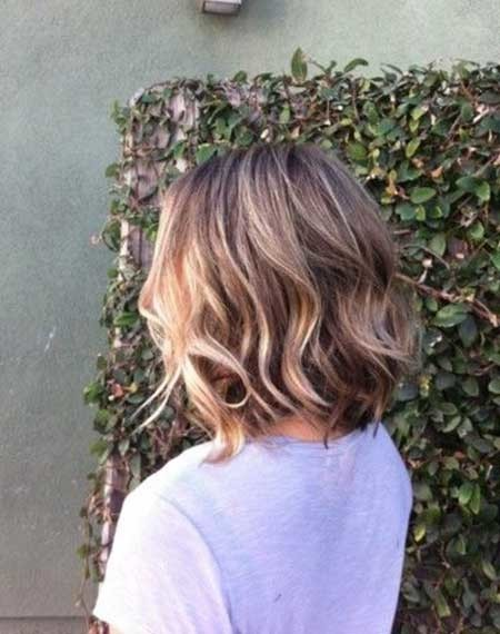 Short-Bob-Hairstyle-with-Cool-Light-Waves Best Bob Cuts for 2020