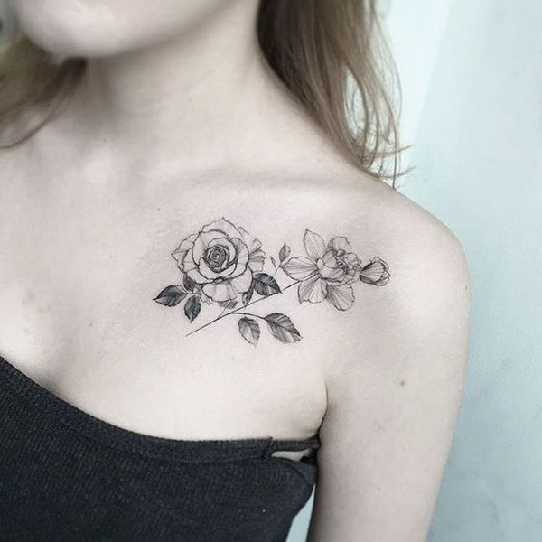 Blackwork-Collarbone-Rose Pretty Flower Tattoo Ideas