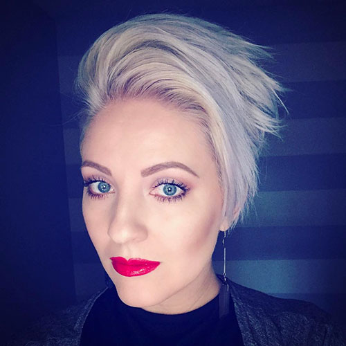 Asymmetrical-Blonde-Pixie Beautiful Short Layered Hairstyles for Thin Hair in 2020