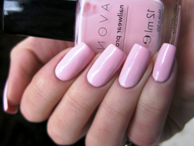 Best-pink-glossy-nail-color-for-square-nails Perfect Ideas for Pink Nails to Finish Feminine Look