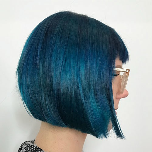 Blunt-Bob-Haircut-with-Bangs 28 Elegant Short Thick Hair Trends of 2020