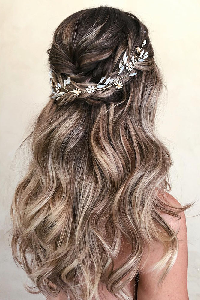 Bridal-Hair-Ideas-To-Look-Fabulous-003-ohfree.net_ Bridal Hair Ideas To Look Fabulous On Your Wedding Day