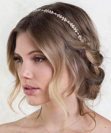 Bridal-Hair-Ideas-To-Look-Fabulous-019-ohfree.net_ Bridal Hair Ideas To Look Fabulous On Your Wedding Day