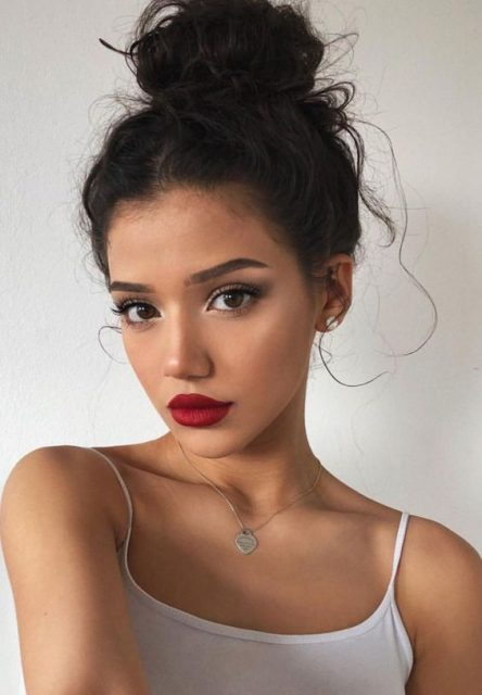 Only-red-lipstick-4 Hot 2020 Makeup Ideas for Every Girl