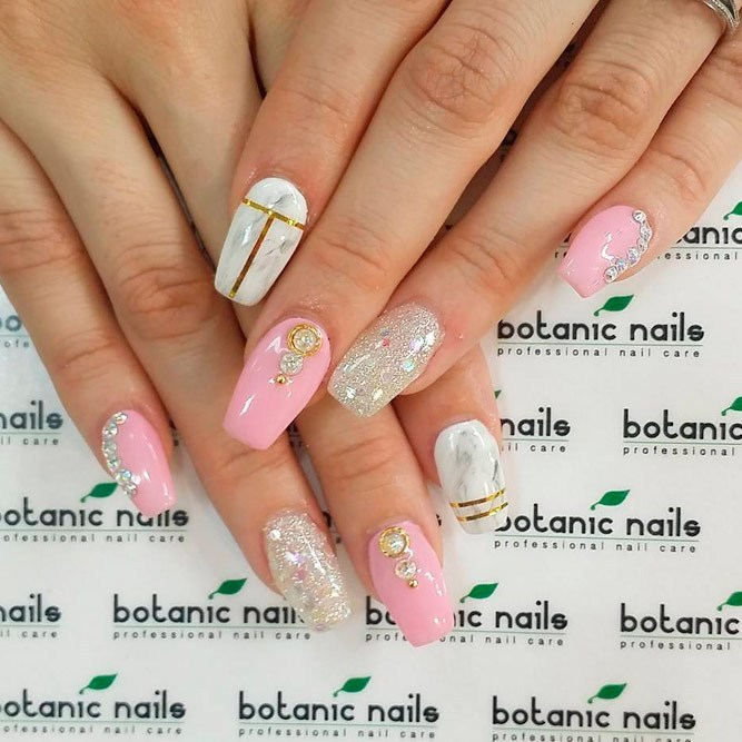 Pink-glitter-and-marble-nail-designs-for-long-nails Perfect Ideas for Pink Nails to Finish Feminine Look