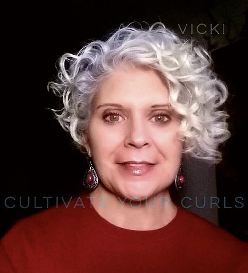 Short-Curly-Hairstyle-for-Round-Faces-8 20 Amazing Short Curly Hairstyle for Round Faces