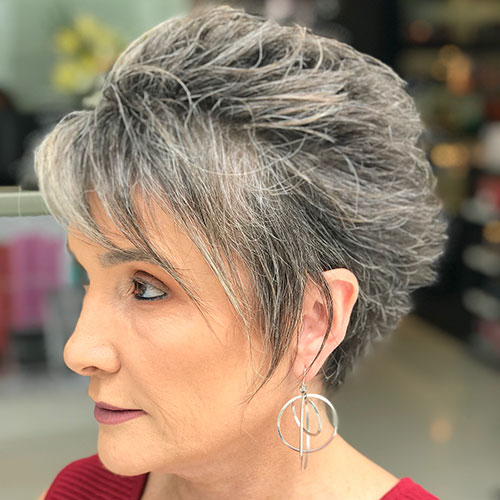 Short-Layered-Hairstyles-for-Thin-Hair-4 Beautiful Short Layered Hairstyles for Thin Hair in 2020