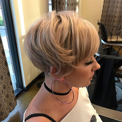 Short-Thick-Hair 28 Elegant Short Thick Hair Trends of 2020