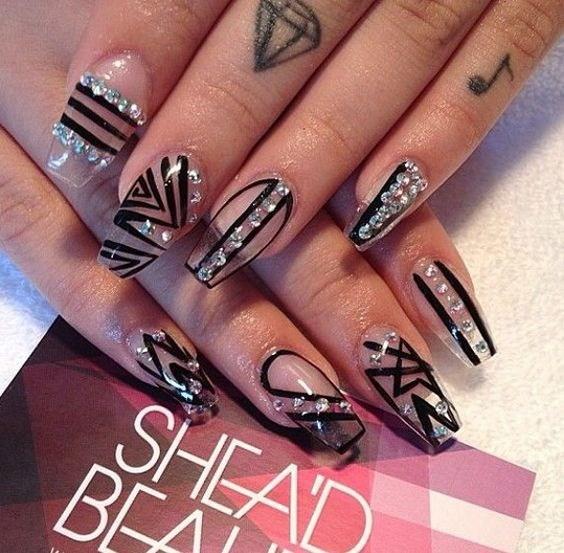 33-abstract-nail-art-ideas Cool Abstract Nail Art Ideas