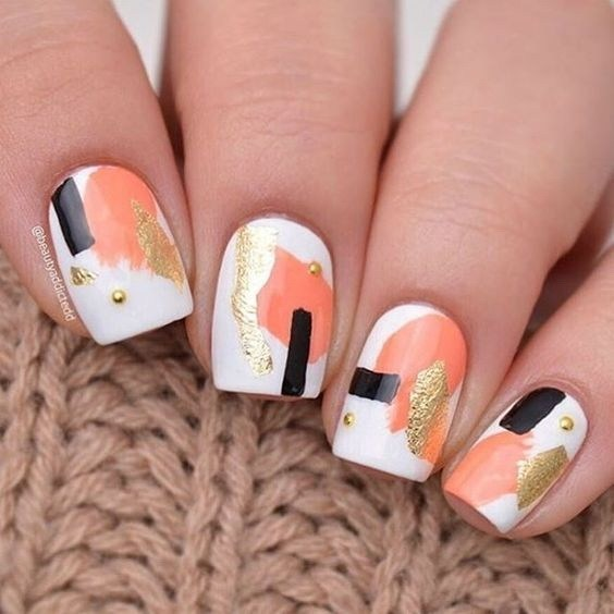 Abstract-art-with-gold-foil-accents-1 Cool Abstract Nail Art Ideas