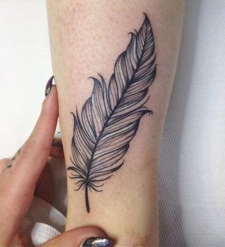 Brilliant-Feather-Tattoo-Designs-to-Impress-8 Brilliant Feather Tattoo Designs Try In 2020