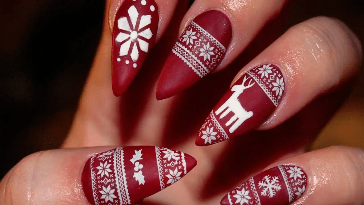 Christmas-Sweater-Nail-Art 10 Acrylic Nail Designs For You To Impress Everyone