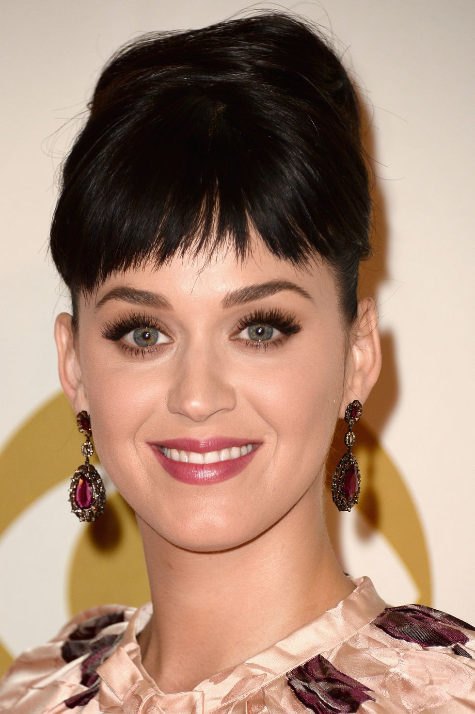 Cutting-bangs-Short-and-Sparse-Bangs-1 Hairstyles with bangs: How to cut bangs as a professional?