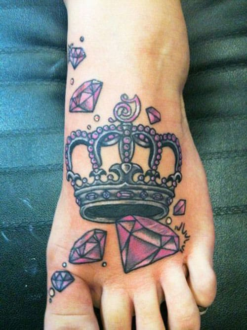 crown-tattoos-7-1 20 Brilliant Crown Tattoos You'll Need To See